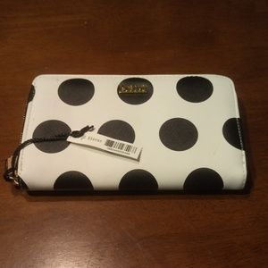 🆕 NWT Kate Landry Black and white Clutch Wallet